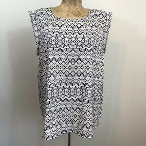The Limited Top Size Large Sleeveless